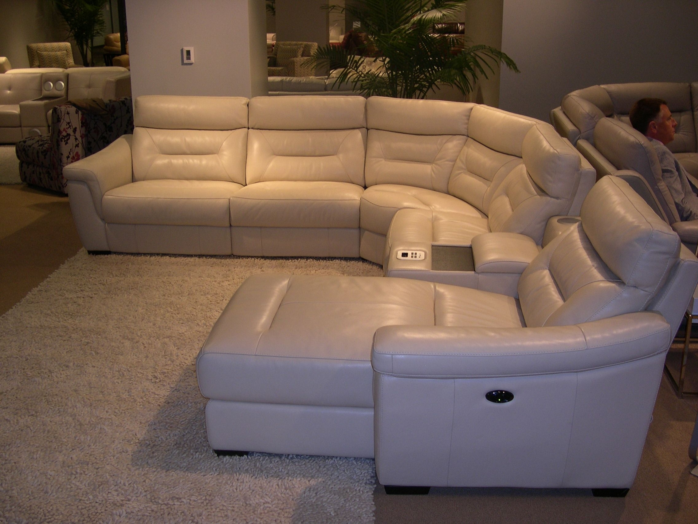 Htl Leather Sectional – Adjustable Headrests (View 5 of 10)