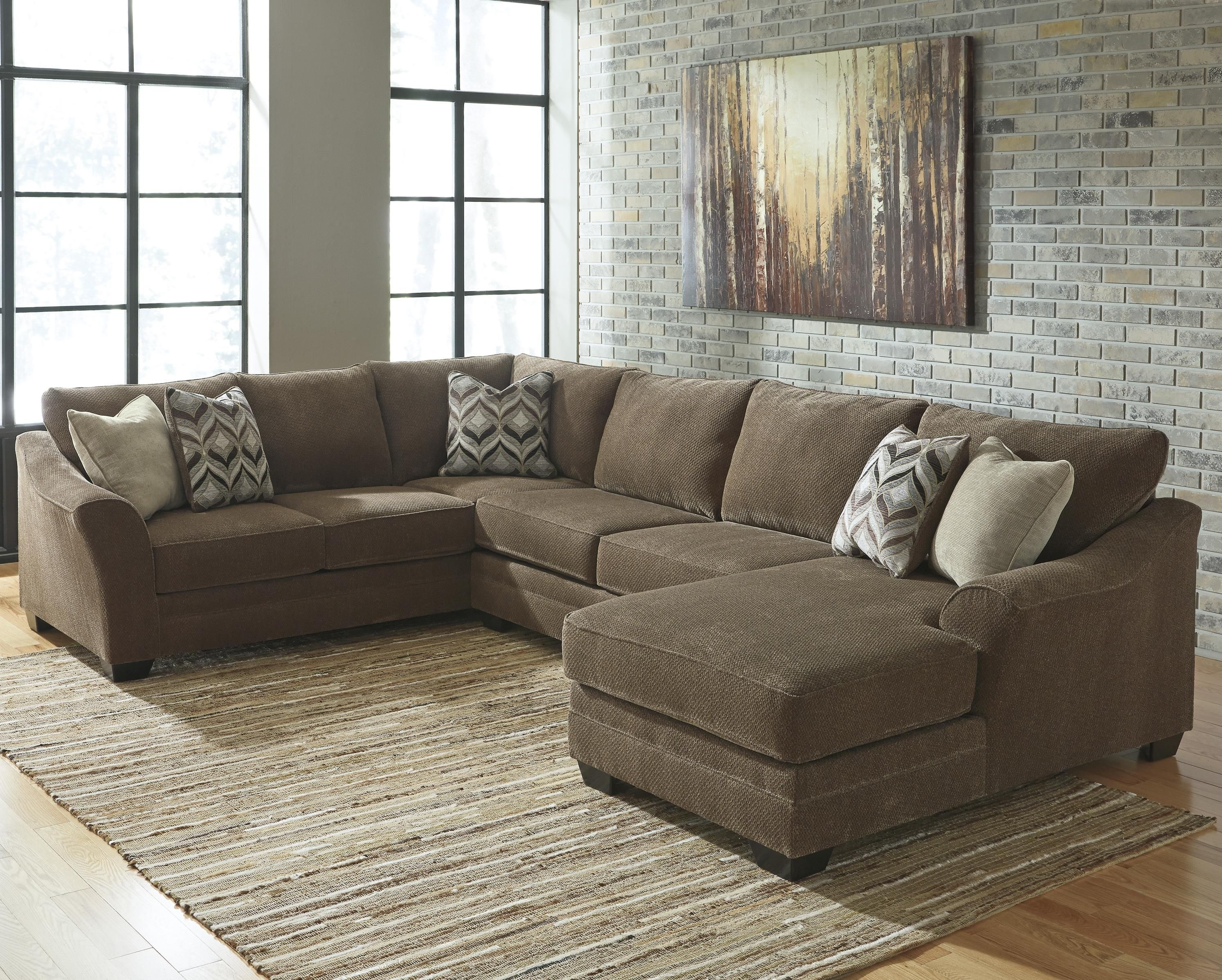 Justyna Contemporary 3 Piece Sectional With Right Chaise With Royal Furniture Sectional Sofas (Image 9 of 10)