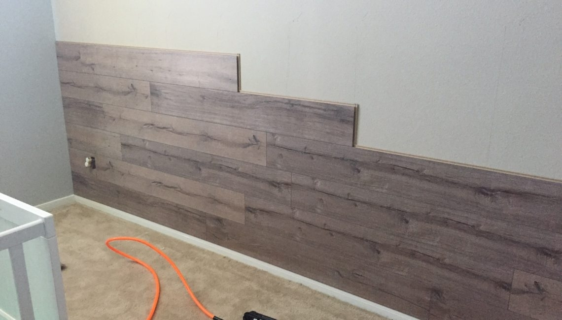 Featured Photo of Wall Accents With Laminate Flooring