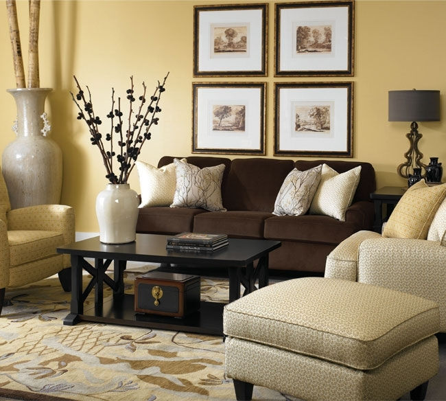 Featured Image of Brown Couch Wall Accents