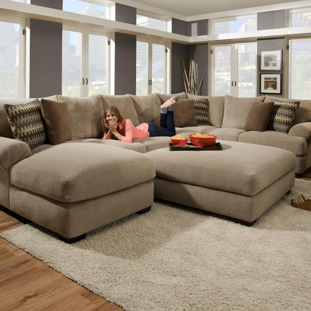 Featured Image of Comfy Sectional Sofas