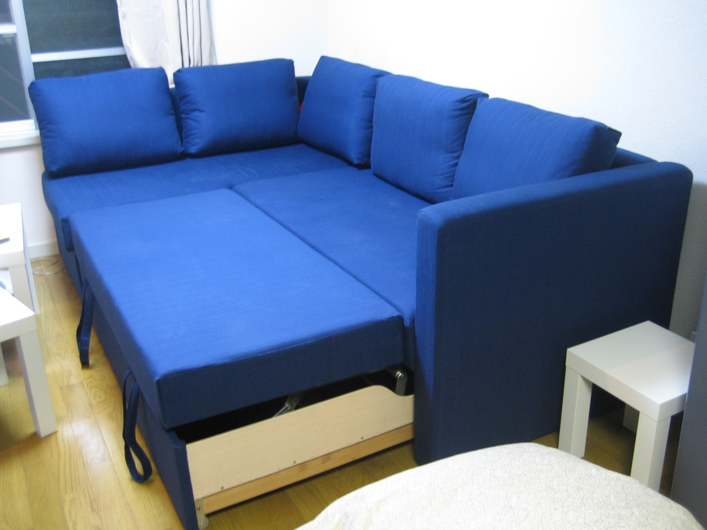 Sofa that turns into a bed e saving sleepers sofas convert for Sectional sofa that turns into a bed