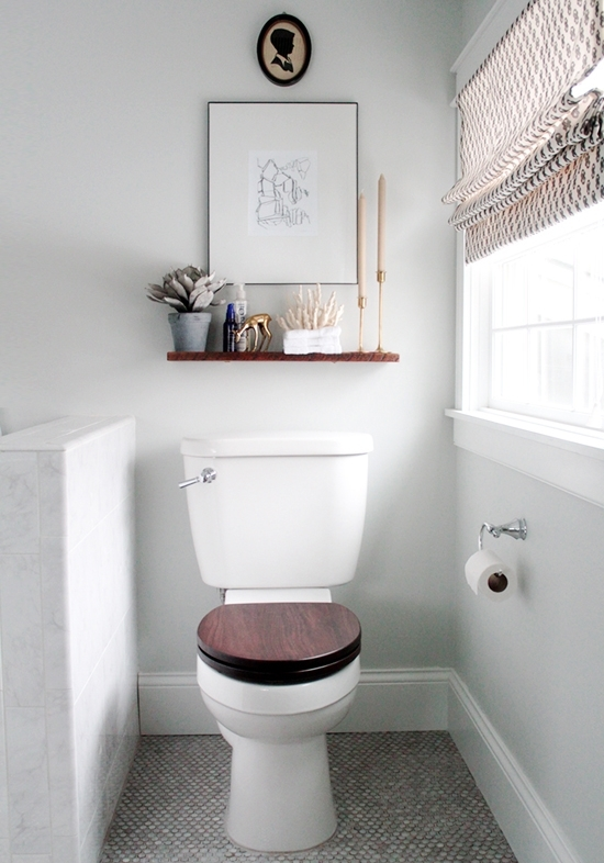 Small Bathroom Decoration Idea At Home And Interior Design Ideas With Regard To Wall Accents Behind Toilet (Image 11 of 15)