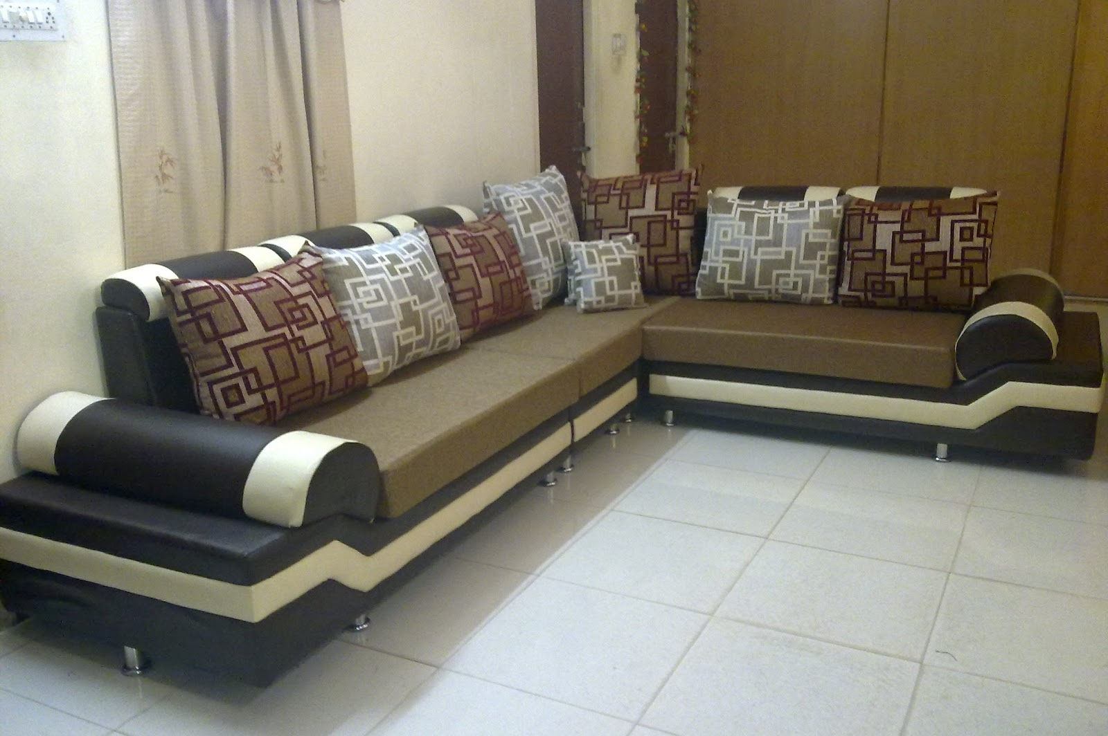 Featured Photo of Sectional Sofas In Hyderabad