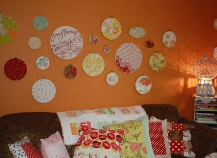 Whimsie Dots: A Simple No Sew Fabric Wall Art – Super Tech Throughout No Sew Fabric Wall Art (View 8 of 15)