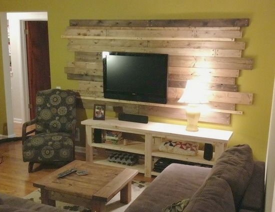 Wood Planked Pallet Accent Wall Behind The Tv (Remove And Replace In Wall Accents Behind Tv (View 2 of 15)