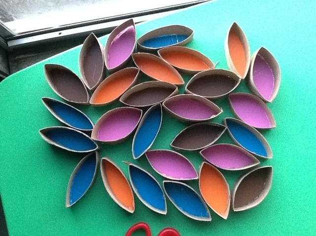 How To Make Toilet Paper Roll Wall Art – Snapguide Within Paper Wall Art (View 15 of 25)