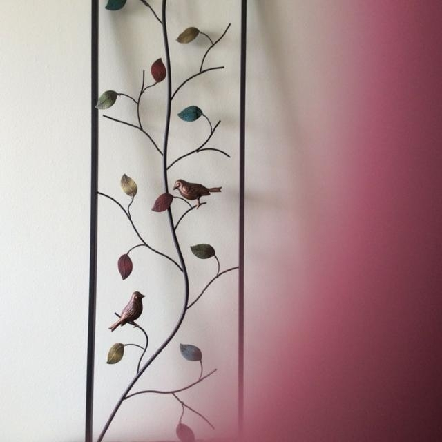 Featured Image of Vertical Metal Wall Art
