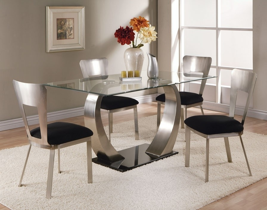 4 Optimal Choices In Glass Dining Table And Chairs – Blogbeen Pertaining To Dining Room Glass Tables Sets (View 5 of 25)