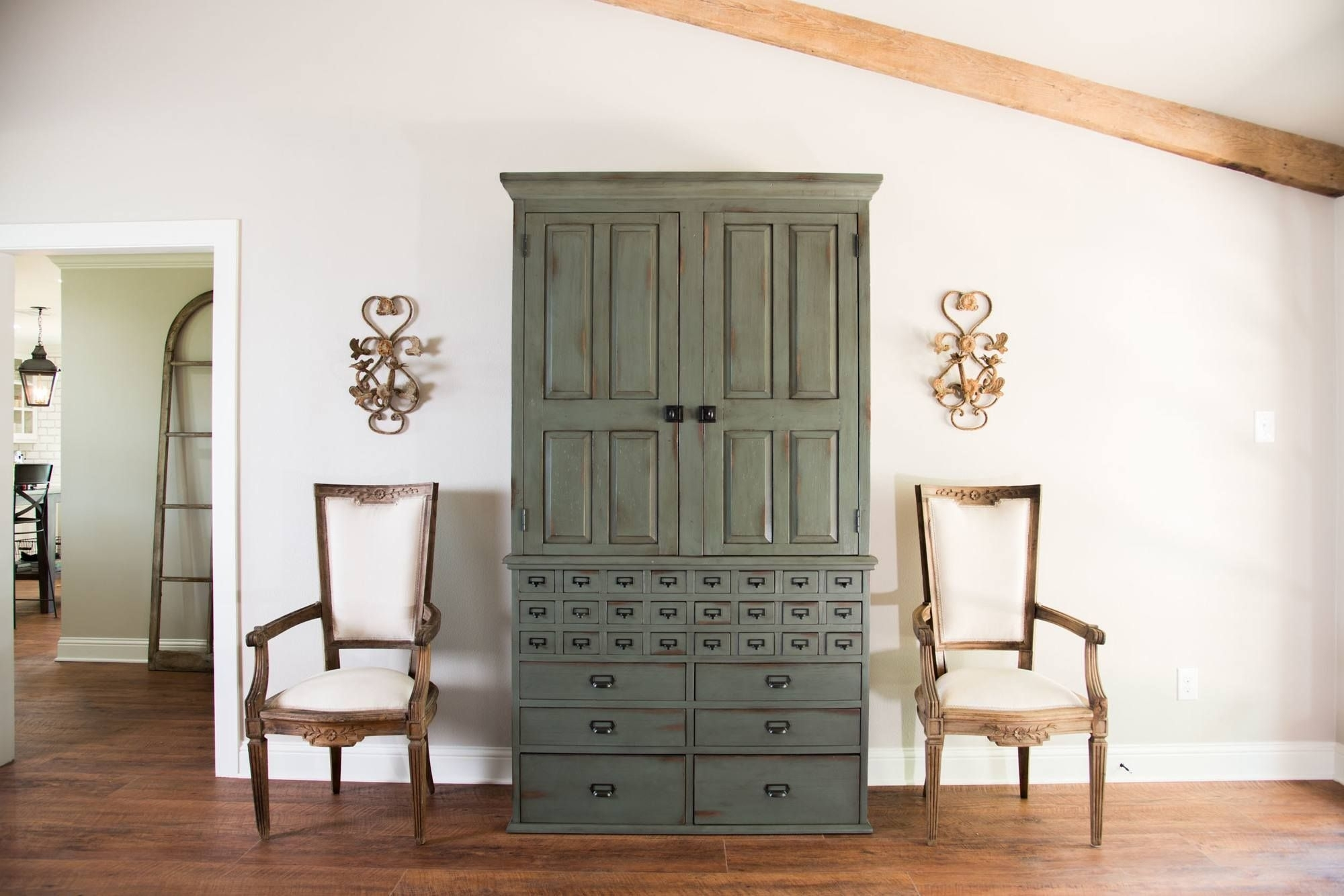 Adorable Ashley Furniture Magnolia Home Or Magnolia Homejoanna With Magnolia Home Homestead 3 Piece Sectionals By Joanna Gaines (Image 5 of 25)