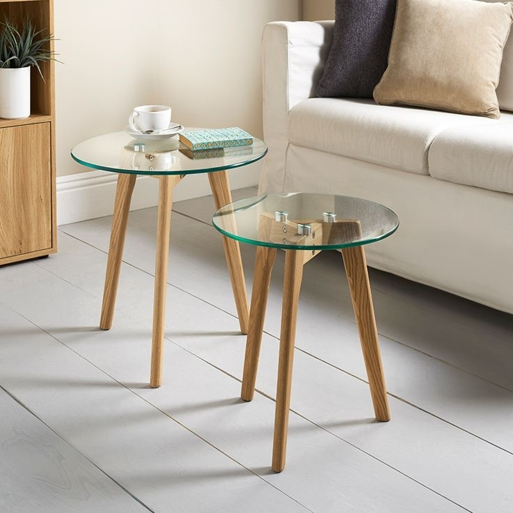 Aiden Table Set. Oak And Glass Set Of 2 Tables (Image 2 of 25)