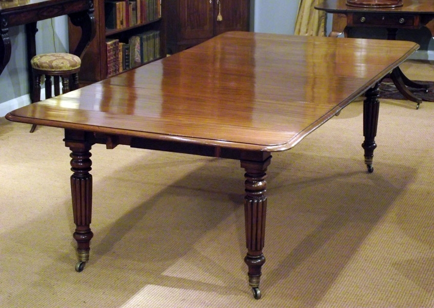 Antique Mahogany Extending Dining Table / Seating 10 To 12 Throughout Mahogany Extending Dining Tables (View 16 of 25)