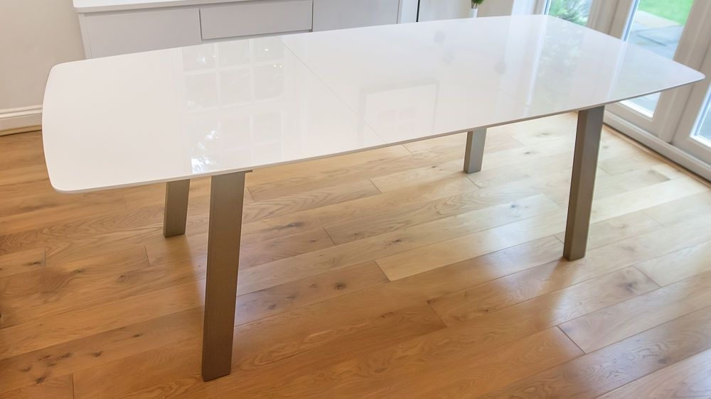 Assi White Gloss Extending Dining Table | 'v' Office Redesign Throughout Extending White Gloss Dining Tables (Image 1 of 25)