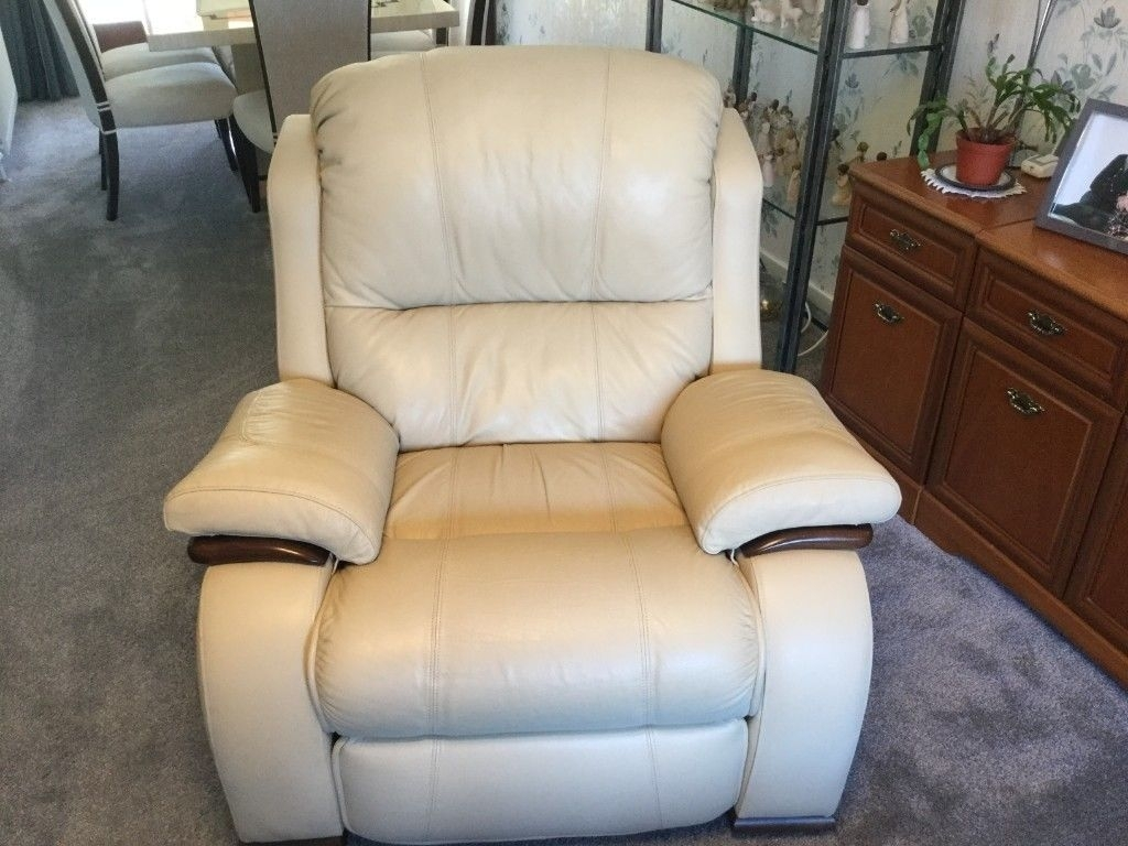 Beautiful, Comfortable Cream Leather 3 Piece Suite | In East Calder With Regard To Calder Grey 6 Piece Manual Reclining Sectionals (Image 4 of 25)