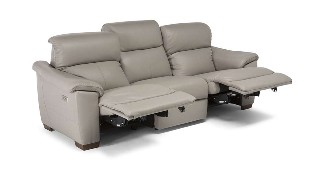 C063 Potenza • Texas Leather Interiors Furniture And Accessories Throughout Travis Dk Grey Leather 6 Piece Power Reclining Sectionals With Power Headrest & Usb (Image 4 of 25)