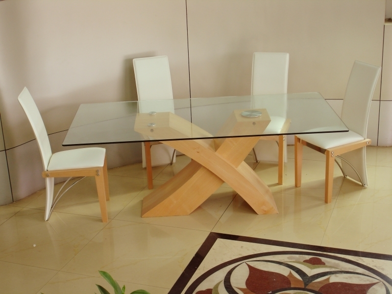 Calligaris Extendable Glass Beech Dining Table And Chairs As White In Beech Dining Tables And Chairs (View 7 of 25)