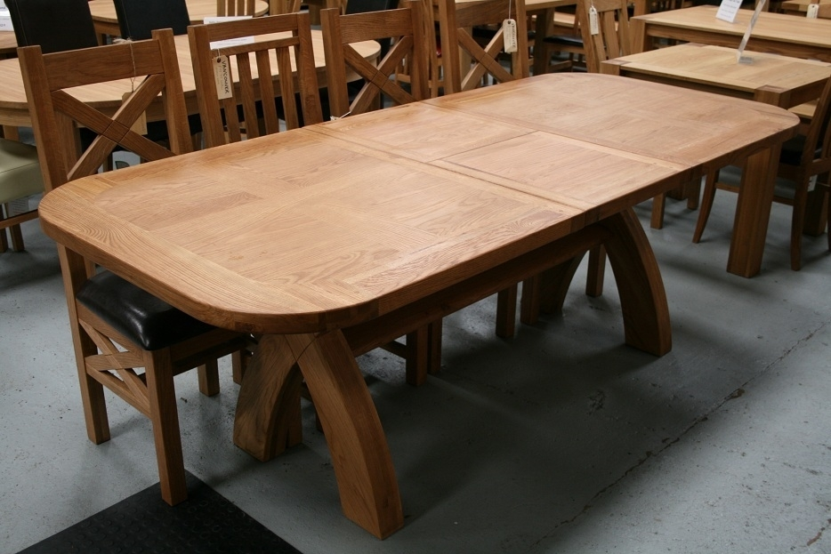 Country Oak Furniture | Rustic Oak Dining Table Furniture – Oak Regarding Oval Oak Dining Tables And Chairs (View 3 of 25)