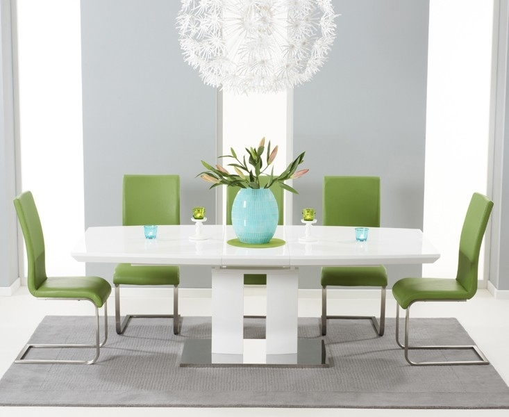 Courbe White High Gloss Extendable Dining Table Inside High Gloss Round Dining Tables (View 13 of 25)