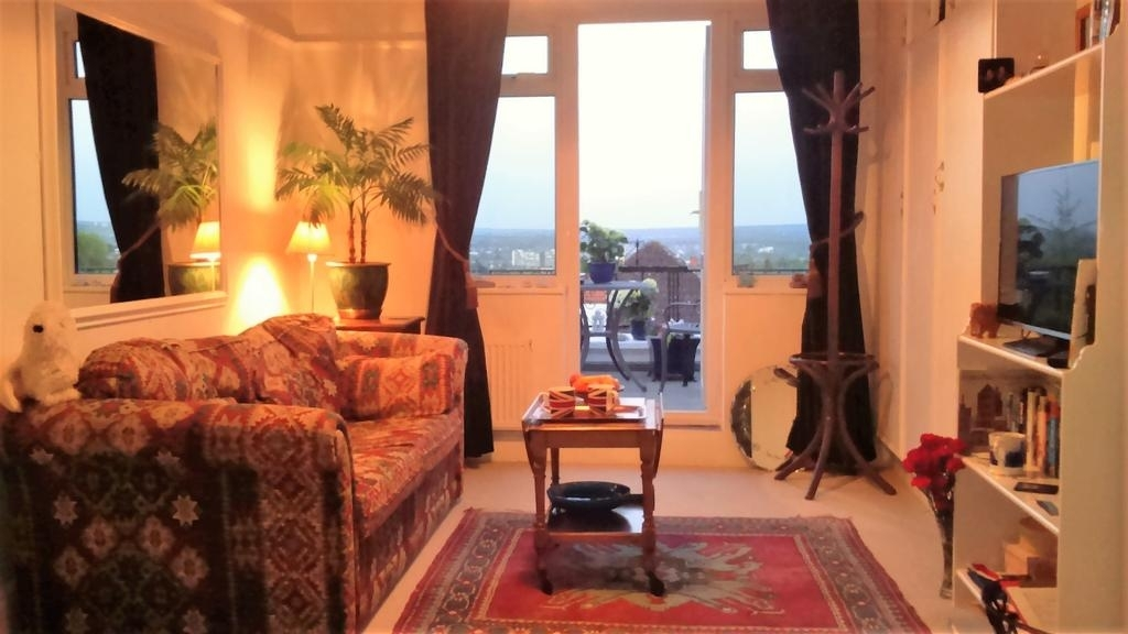 Crystal Palace B&b, London – Updated 2018 Prices Throughout Patterson 6 Piece Dining Sets (Image 5 of 25)