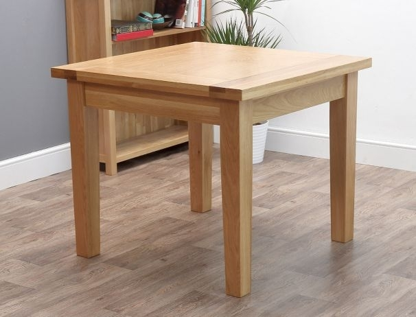 Featured Image of Square Oak Dining Tables