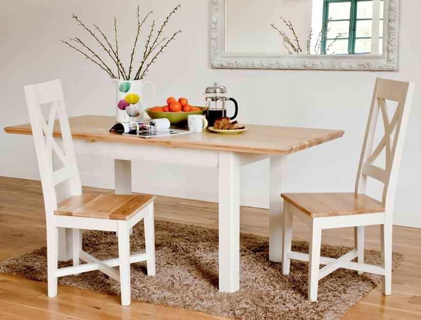 Featured Image of Small Extending Dining Tables And Chairs