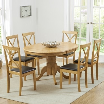 Elson Round Oak 6 Seater Extending Dining Set Throughout Round Oak Extendable Dining Tables And Chairs (View 5 of 25)