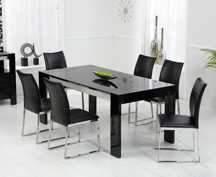 Enchanting Black High Gloss Dining Table And Chairs Throughout Within Black High Gloss Dining Tables And Chairs (Image 9 of 25)