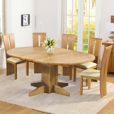 Extendable Round Dining Round Extending Oak Dining Table And Chairs With Round Extending Oak Dining Tables And Chairs (View 16 of 25)