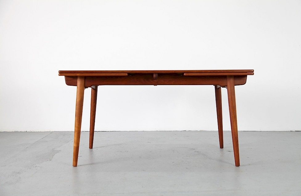 Fantastic Extending At312 Hans Wegner Oak With Contrasting Teak Top Pertaining To Norwood Rectangle Extension Dining Tables (View 13 of 25)