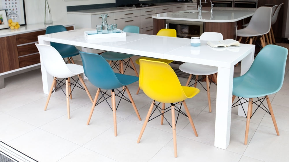 Fern White Gloss Extending And Eames Style Dining Set With Regard To Black High Gloss Dining Chairs (Image 13 of 25)