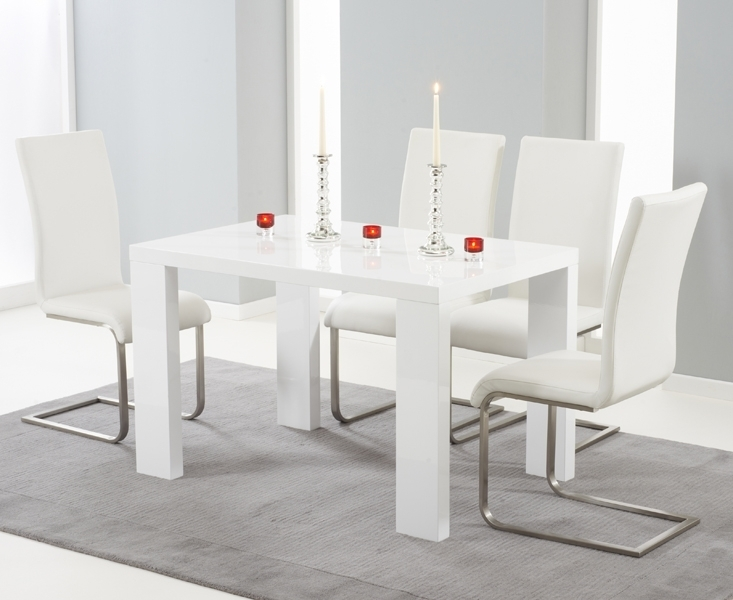 Forde White High Gloss 150Cm Dining Set With 4 Ivory White Boston Chairs Within White Gloss Dining Sets (View 16 of 25)