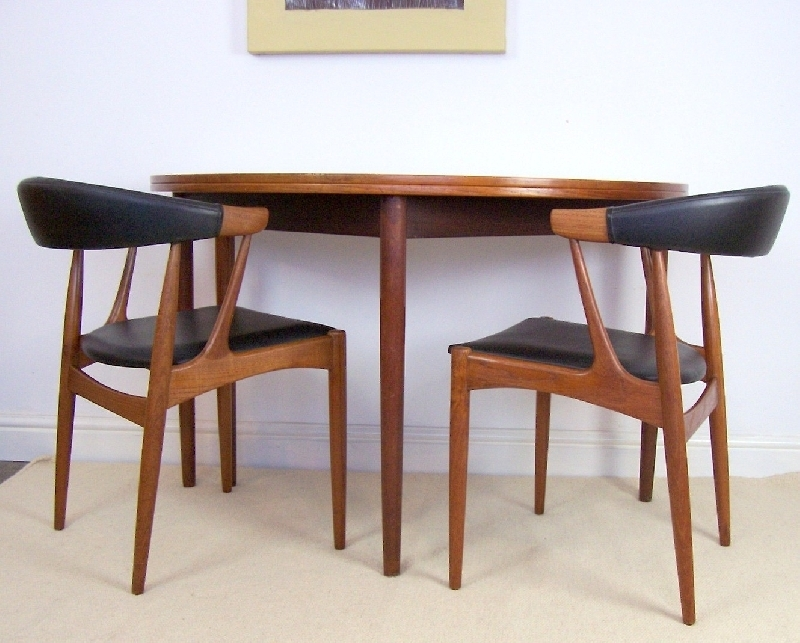 Half Moon Dining Table | Aionkinahkaufen With Regard To Round Half Moon Dining Tables (View 7 of 25)