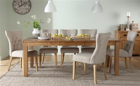 Highbury Oak Extending Dining Table With 8 Chester Chairs (Ivory For Dining Tables For  (Image 19 of 25)