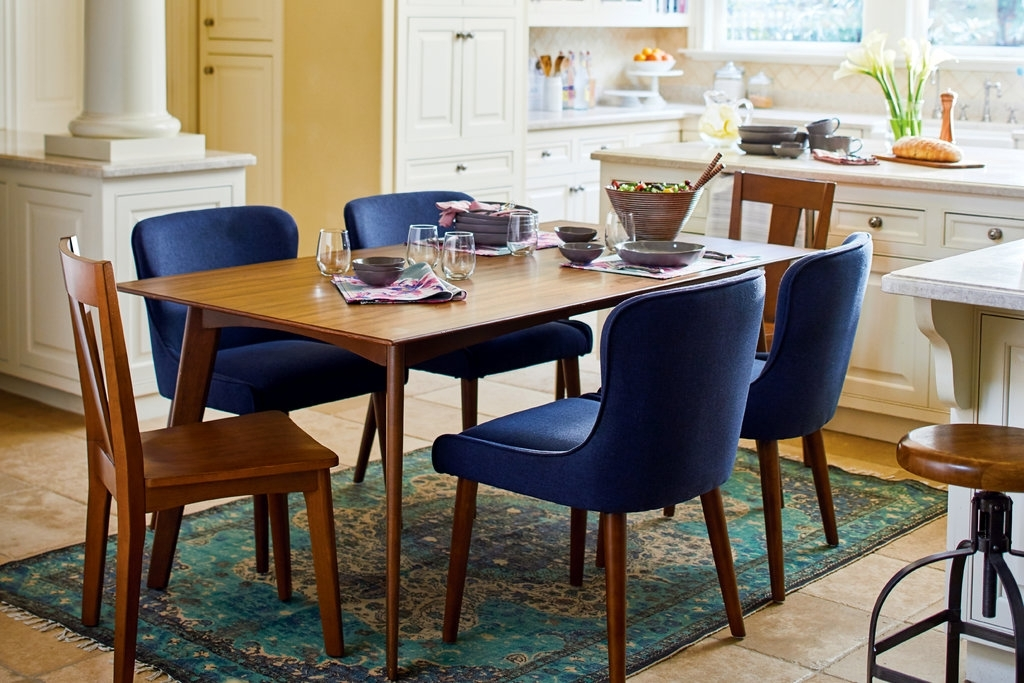 How To Choose The Right Dining Table For Your Home – The New York Times Within Market 7 Piece Dining Sets With Side Chairs (Image 14 of 25)