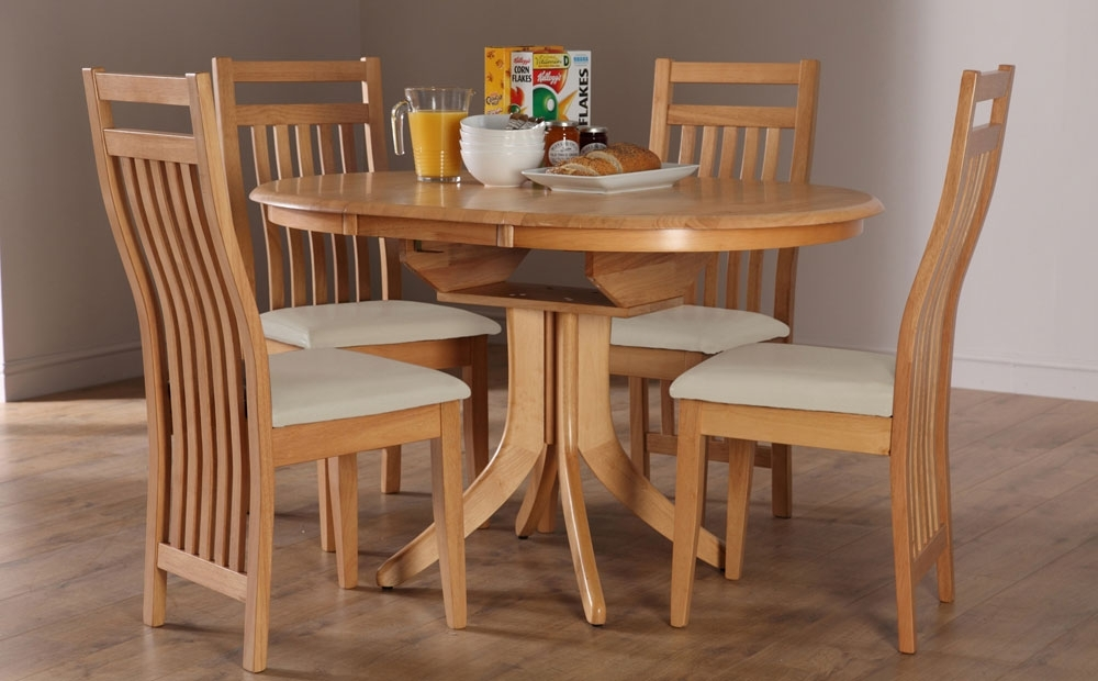 Hudson & Bali Round Extending Oak Dining Table And 4 6 Chairs Set With Extending Oak Dining Tables And Chairs (View 9 of 25)