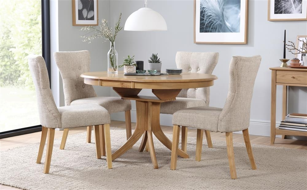 Hudson & Bewley Round Extending Oak Finish Dining Table & 4 6 Chairs In Extending Dining Tables And 4 Chairs (View 2 of 25)