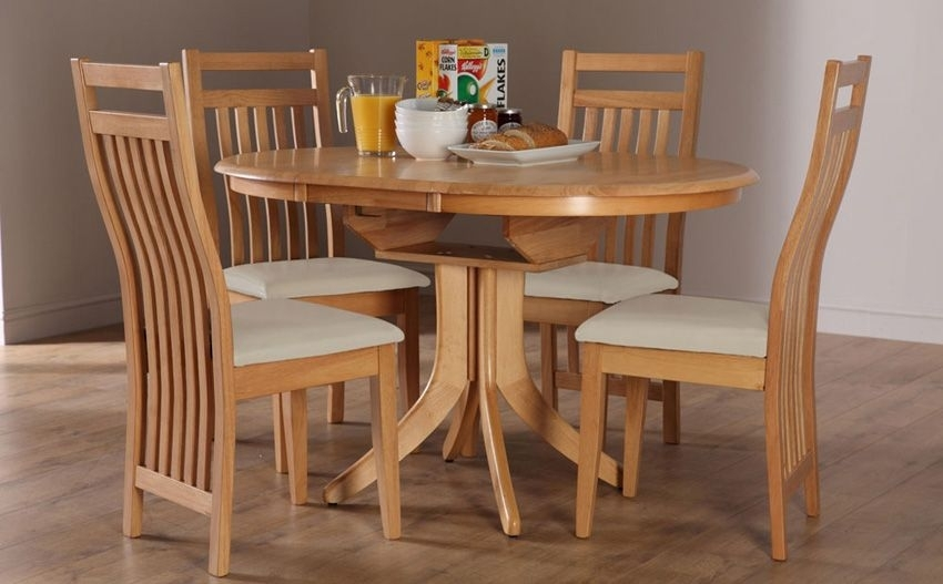 Hudson Round Oak Extending Dining Table – With 4 Bali Ivory Chairs In Round Oak Extendable Dining Tables And Chairs (View 6 of 25)