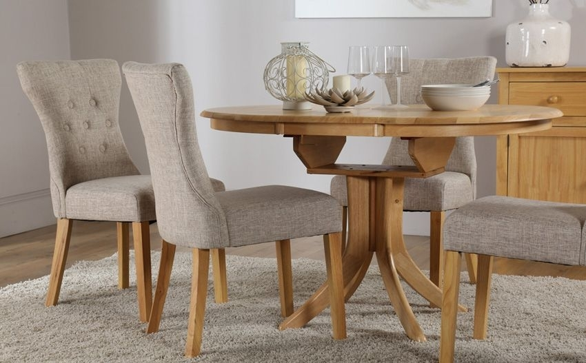 Hudson Round Oak Extending Dining Table - With 4 Bewley Oatmeal within Round Extending Dining Tables Sets