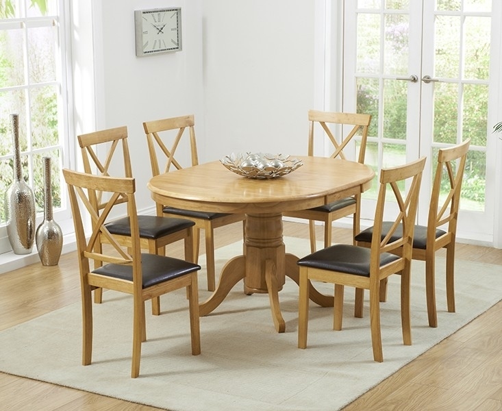 Hudson W Round Extending Oak Dining Table And Chairs 2018 Argos Within Round Extending Oak Dining Tables And Chairs (Image 15 of 25)