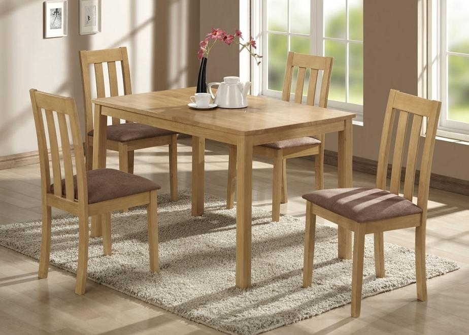 Hyland Counter Height Dining Room Table And Barstools Set Of 5 With Regard To Hyland 5 Piece Counter Sets With Stools (Image 19 of 25)