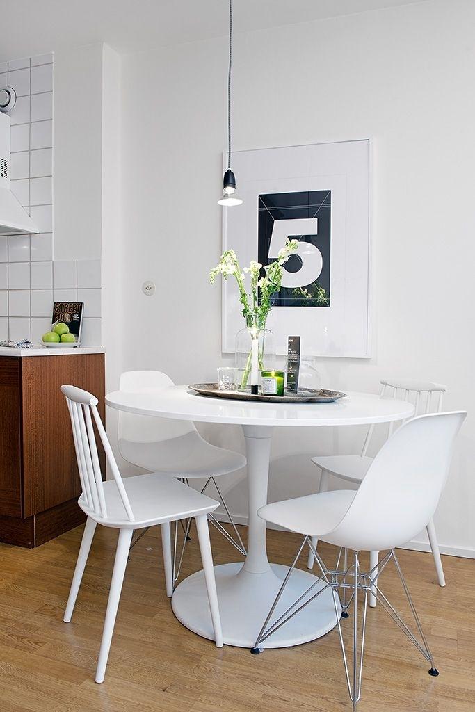 Ideas Para Una Decoración De Estilo Escandinavo   Eenig & Kitchen Intended For Small Round White Dining Tables (Image 6 of 25)