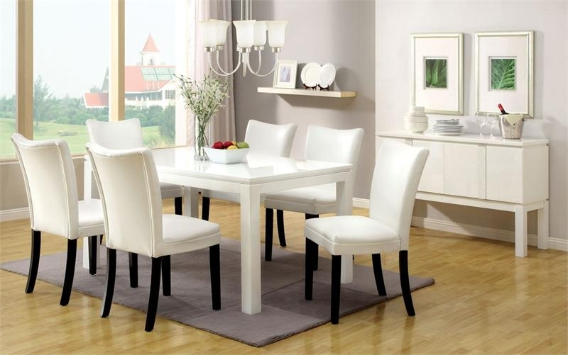 Imágenes De White Dining Room Table With Chairs In Combs 5 Piece 48 Inch Extension Dining Sets With Pearson White Chairs (View 18 of 25)