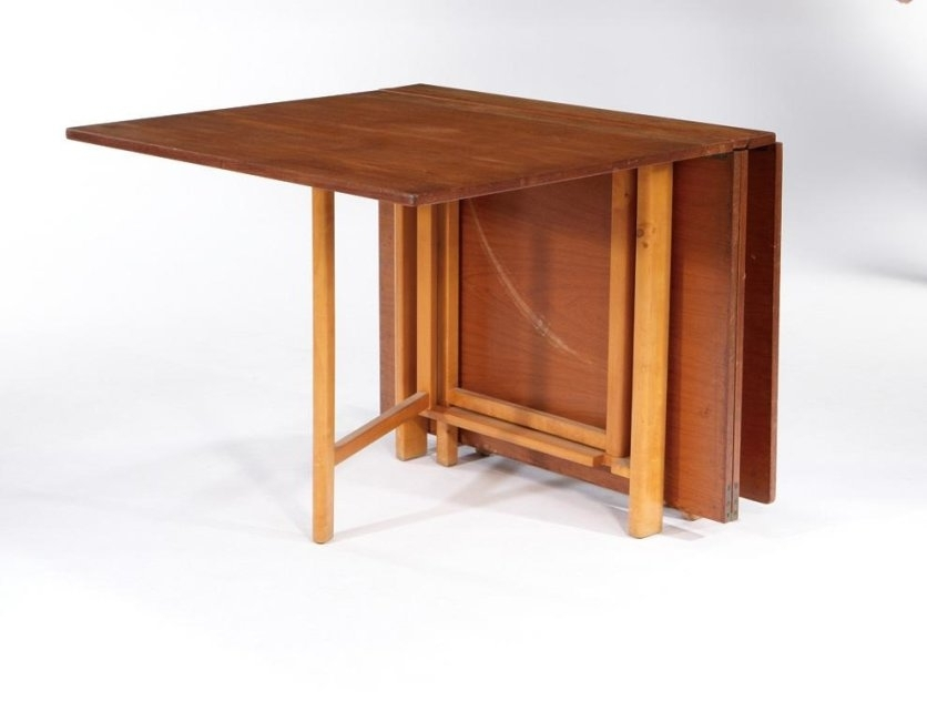 L Shaped Wooden Folding Table With Simple Folding Chairs (Image 20 of 25)