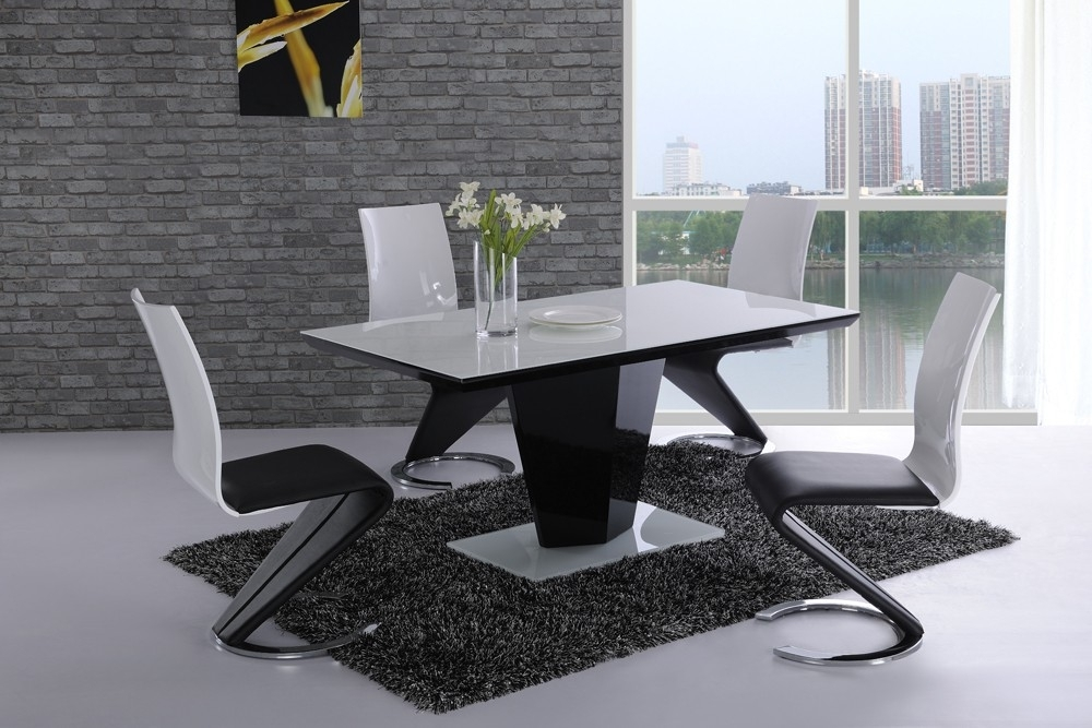 Leona Black High Gloss White Glass Designer Dining Table – £ (View 8 of 25)