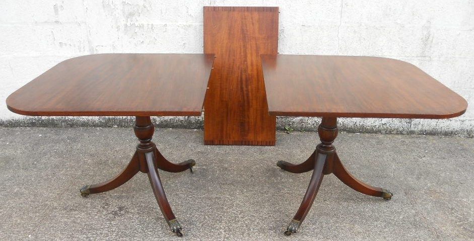 Mahogany Extending Dining Table In The Antique Georgian Style To In Mahogany Extending Dining Tables (Image 13 of 25)