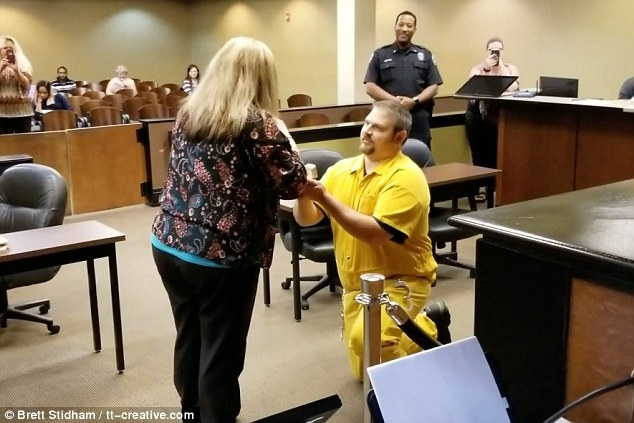 Man Appears In Shackles To Propose To Mississippi Probation Officer With Combs 5 Piece 48 Inch Extension Dining Sets With Pearson White Chairs (Image 20 of 25)