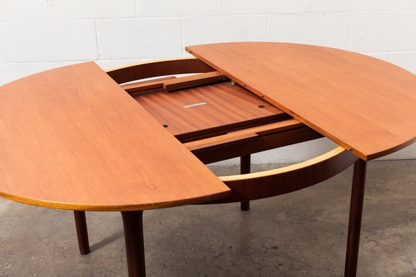 Mid Century Round Oval Teak Dining Table 2018 White Dining Table With Regard To Round Teak Dining Tables (Image 10 of 25)