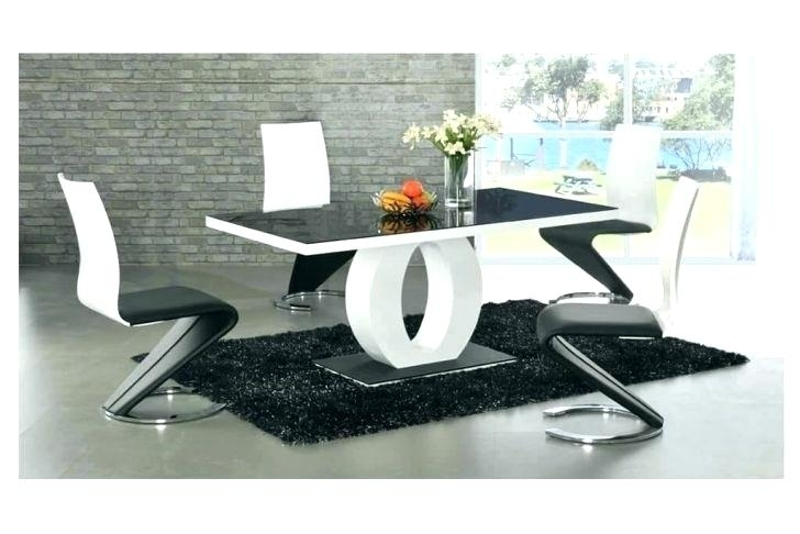 Modern Dining Room Table Chairs – Kuchniauani In Modern Dining Tables And Chairs (View 25 of 25)