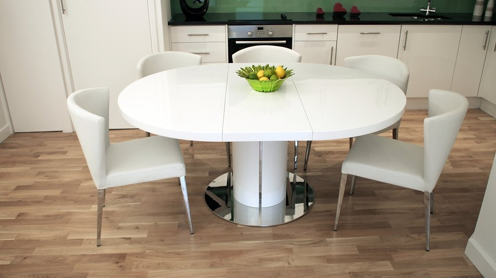 Modern Round White Gloss Extending Dining Table And Chairs For 4 Seater Extendable Dining Tables (View 10 of 25)