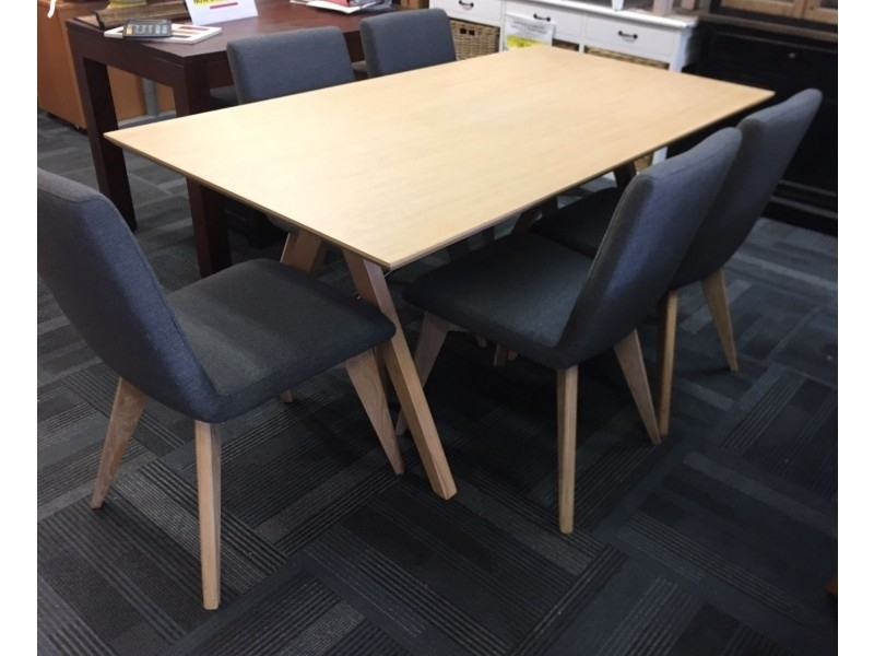 New York Dining Table & Chairs – Floor Stock Clearance With Regard To New York Dining Tables (View 23 of 25)